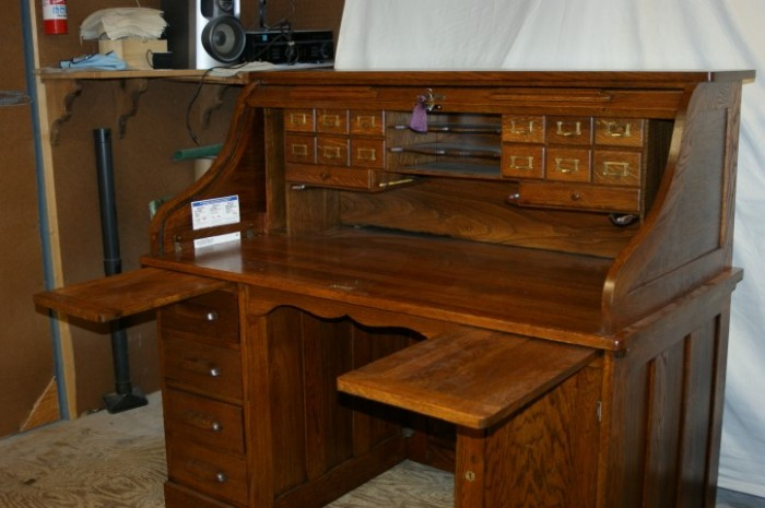 Circa 1870 Belknap U0026 Co. Roll Top Desk
